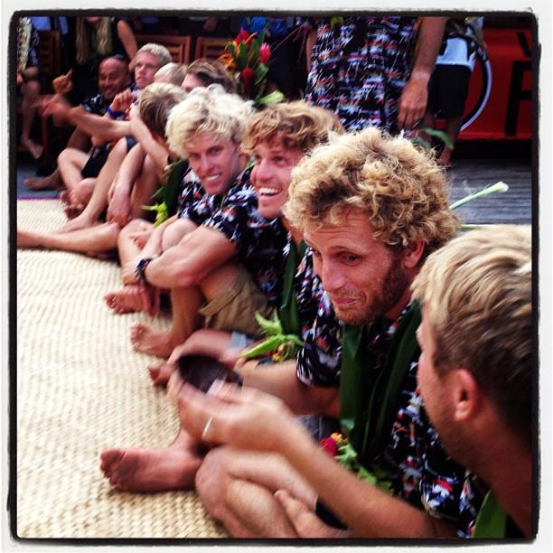 Kieren Perrow conseguiu pegar o momento em que Kai Otton percebeu que o gosto da Kava – bebida típica de Fiji – não era tão bom quanto a boa e velha aussie beer.
