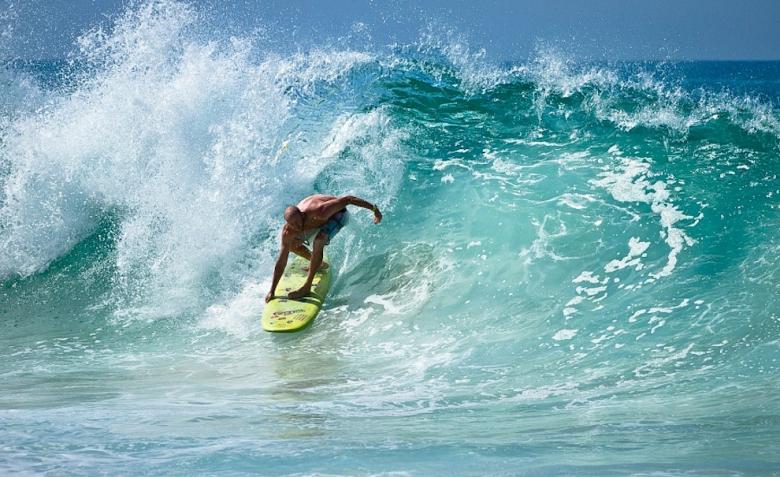Steve Taylor não muito longe da areia em Aliso, Laguna Beach. Foto: Andre Magarao