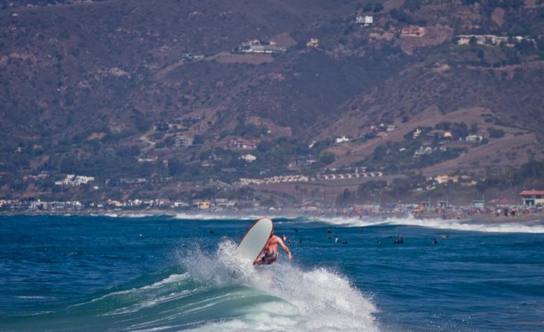 Steve Taylor em Malibu com sua soft top de 7' Foto: Andre Magarao