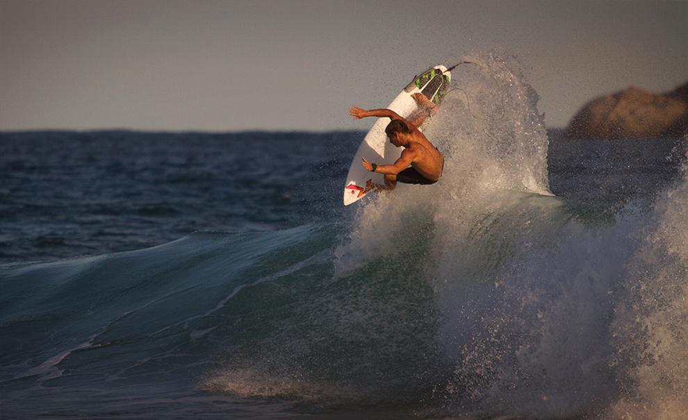 Josh Kerr, sempre um dos favoritos do público e nunca escondendo seu gosto pelo Rio. Alguns dos aéreos e rabetadas de maior estilo na elite! Foto: Myara