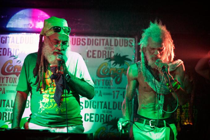 Jackson e Myton estavam em sintonia durante toda a apresentação. Foto: Bruno Brasil