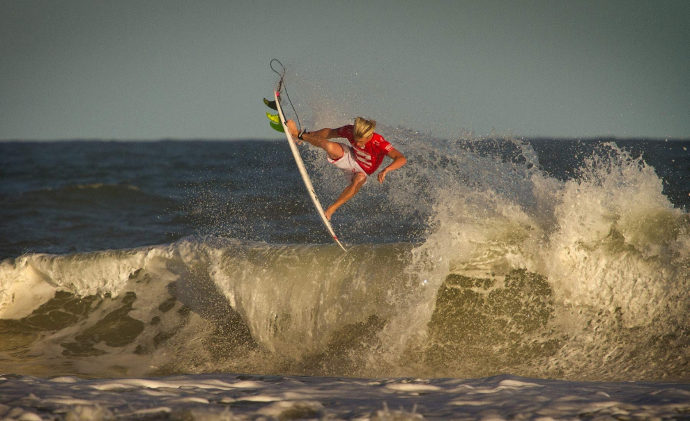 Kolohe Andino, Stalefish. Confortável nas ondas similares as de seu homebreak. Foto: Myara