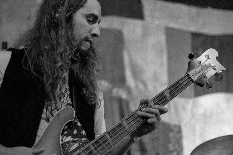 Anthony Meier foi a última mudança no line up do Radio Moscow, entrando na banda há menos de dois anos e vindo da excelente Sacri Monti, de San Diego. Foto: Radio Layback