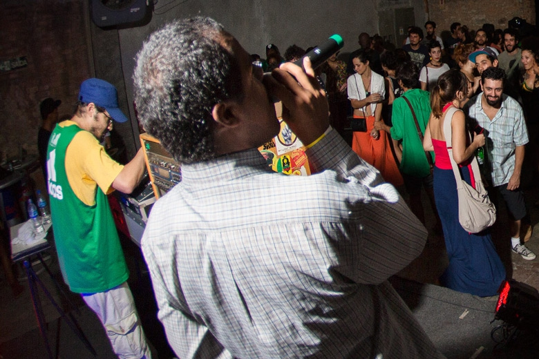 Monkey Jhayam mostrando seu talento. Foto: Radio Layback