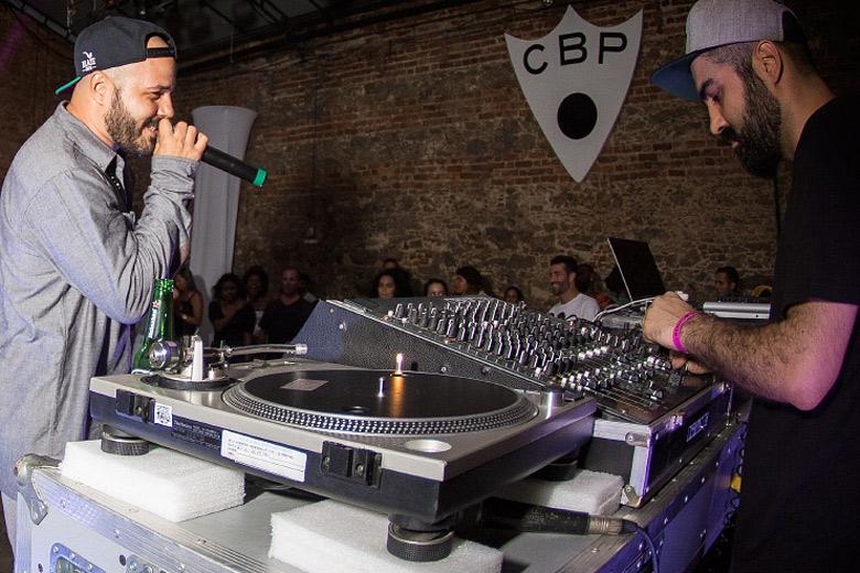 MPC do Digitaldubs foi o responável por soltar as bases do rapper. Foto: Radio Layback