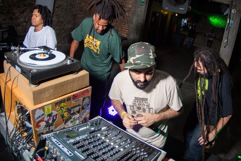 A galera do Digitaldubs com um set caprichado, foram os responsáveis por fechar a segunda noite do festival. Foto: Radio Layback