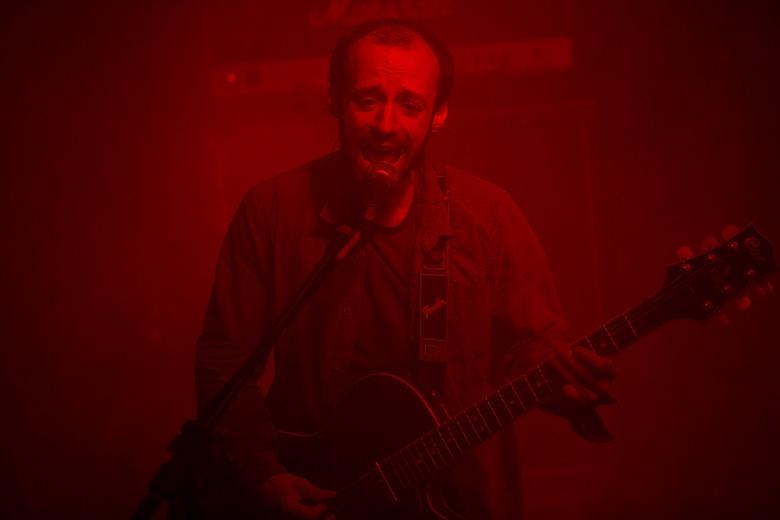 Julien Pras fazendo uso de seus efeitos de voz espaciais. Foto: Radio Layback