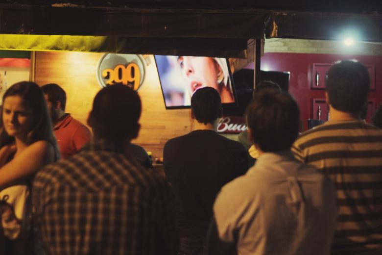 Dávio fala, o público escuta. Foto: Hugo Carmo