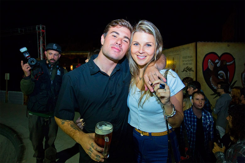 Pedro Barros e namorada. Foto: Gustavo Faraco
