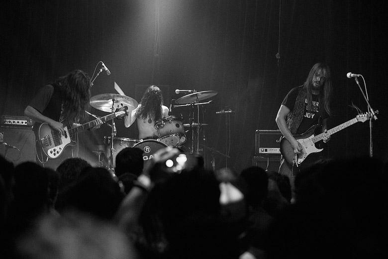 Entrosamento impecável do trio. Foto: Radio Layback