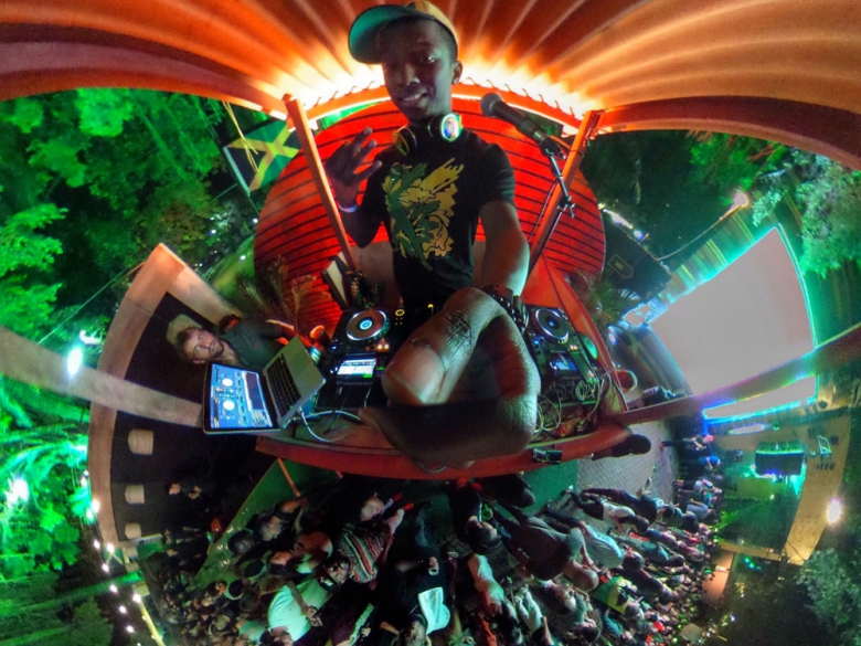 DJ Narity. Foto: Bruno Brasil (@brbrasil)