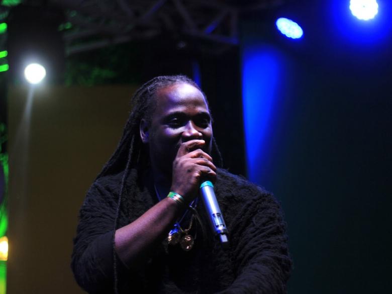 O jamaicano I-Octane foi o responsável por abrir a primeira noite de shows no dia 16 de agosto na Jamaica House. Foto: Elza Cohen