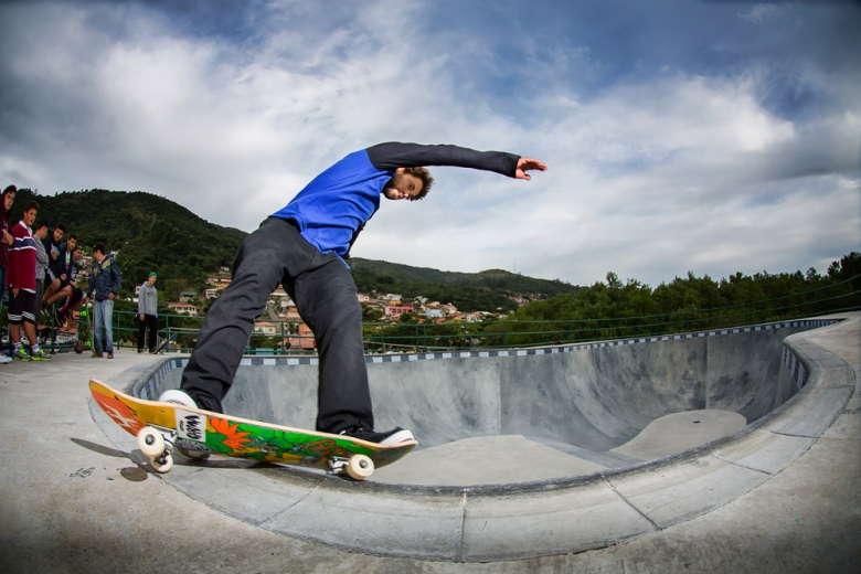 Bs Hurricane no bowl da Costeira. Foto: Layback